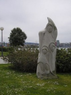 escultura-de-acisclo-manzano-en-lembranza-da-expedicion-balmis