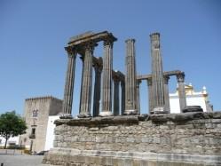 Evora. Templo romano