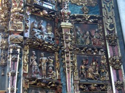Betanzos. Santa María do Azougue. Pormenor das táboas flamencas