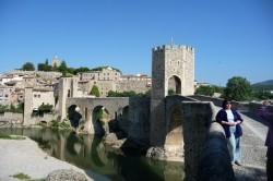 Besalú. Ponte fortificada