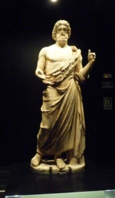 Empúries. Estatua grega do deus Esculapio