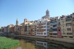 Girona. Fachada do río Onyar