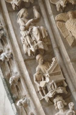 Pormenor da porta do Sarmental na catedral de Burgos