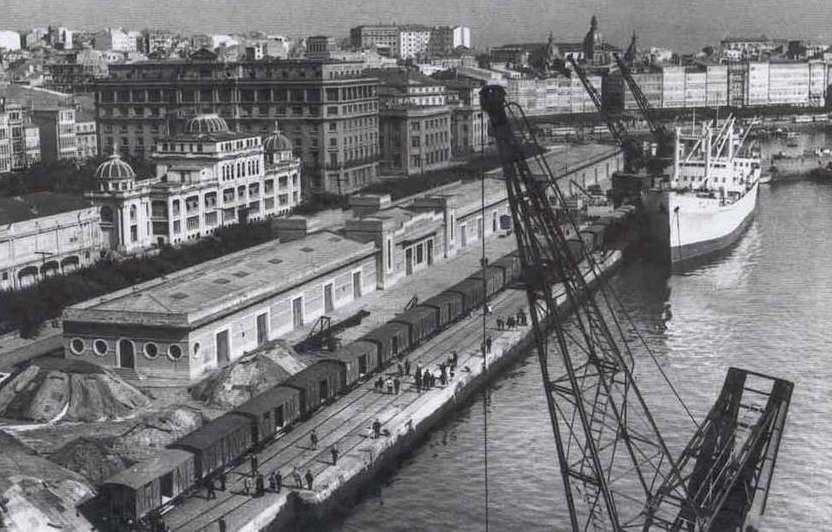 Vista do Atlantic Hotel, en primeiro plano vese a antiga Estación Marítima
