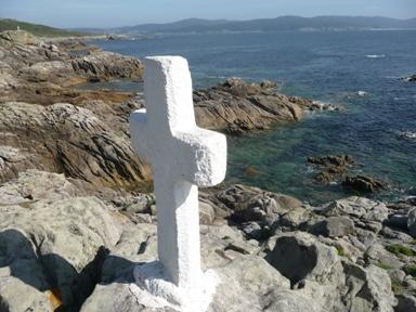Unha cruz en Punta Roncudo