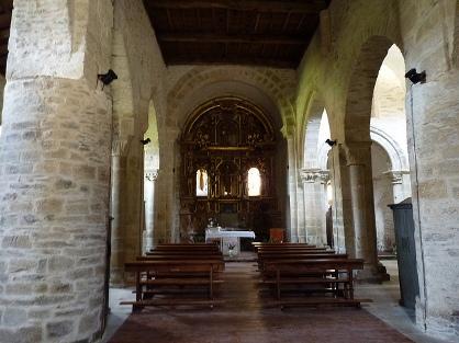 Interior da igrexa de Santa María de Penamaior