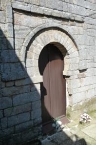 San Martiño de Pazó. Alfiz prerrománico