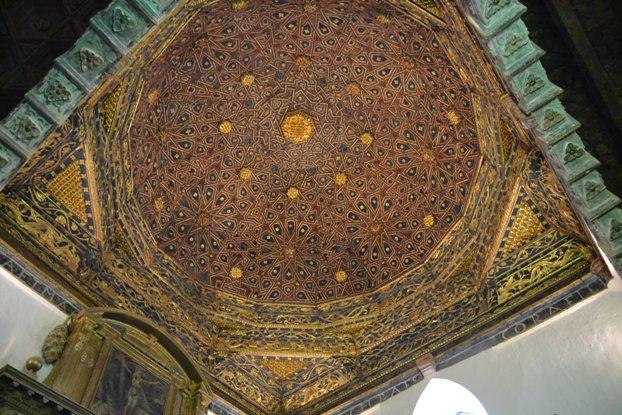 Cisneros. Artesonado na igrexa de San Facundo