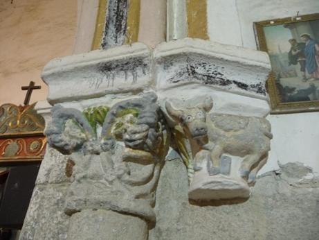 Unha vaca do país como símbolo de San Lucas na igrexa de San Xiao de Lobios