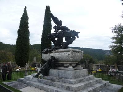 Roncal. Mausoleo de Julián Gayarre