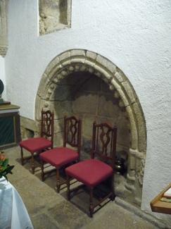 Interior da igrexa de Santa María de Brión